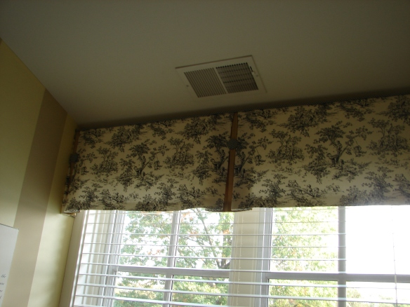 pleated valance, Hinsdale Illinois