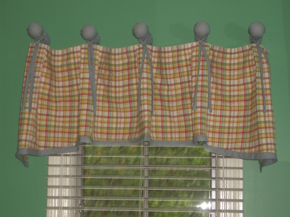 Valance front view
