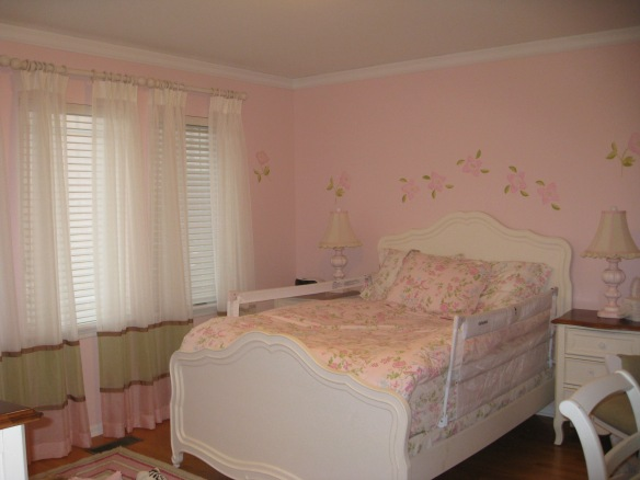 Sheer draperies for a girl's bedroom in Chicago Illinois